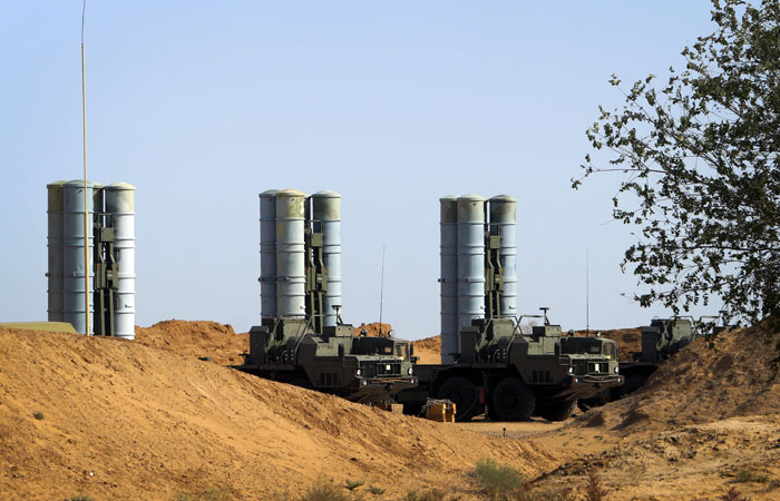 Белоруссия заявила о планах купить у России системы ПВО С-400
