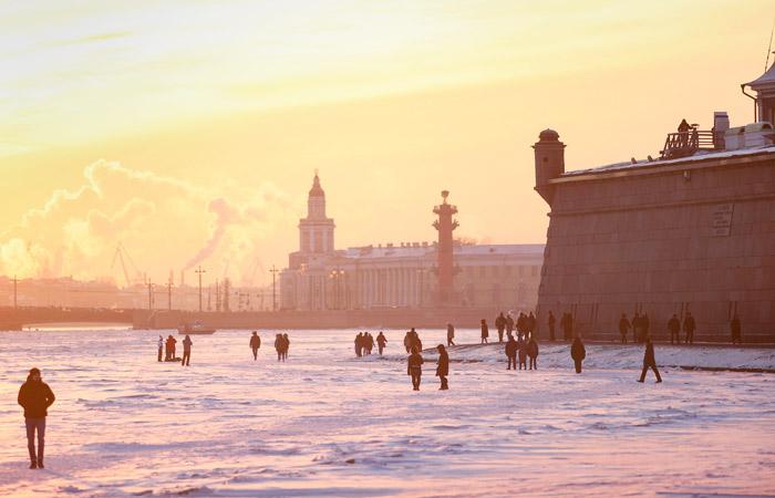 В Роспотребнадзоре не увидели оснований для снятия ограничений в Петербурге