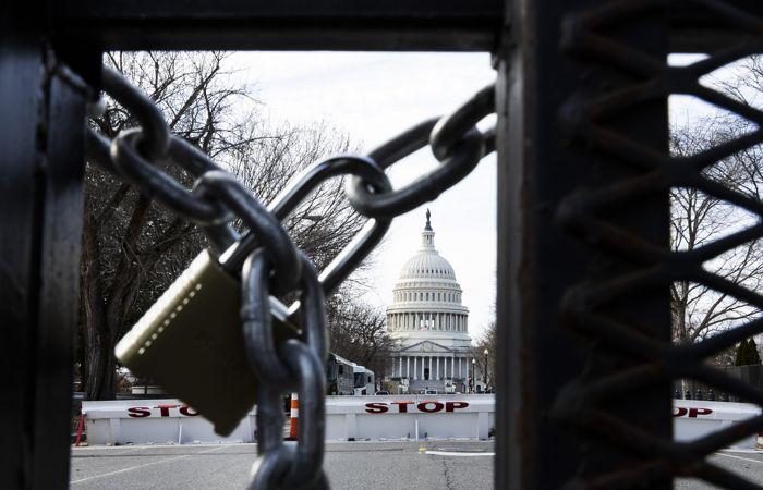 В США у Капитолия задержан мужчина с пистолетом и поддельным пропуском