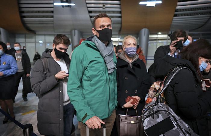 ФСИН попросила суд арестовать Навального