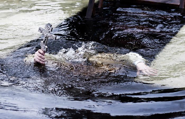 Комитет Госдумы по охране здоровья рекомендовал не купаться в проруби