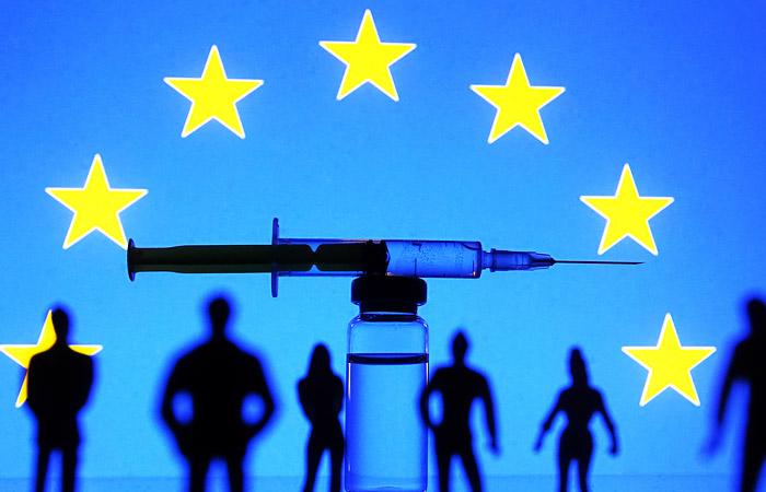 В ЕС сообщили, что пока не обсуждают привязку виз к COVID-вакцинации