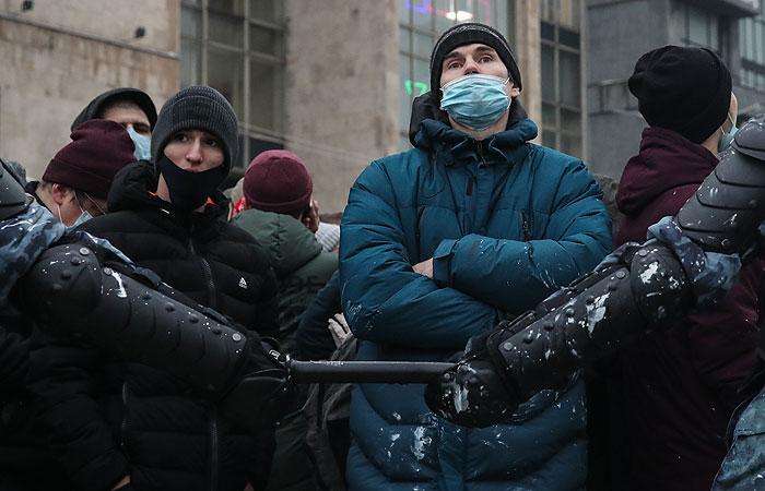 Песков заявил, что в субботних акциях участвовало мало людей