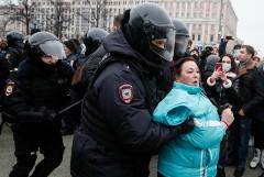 Омбудсмен насчитала более тысячи задержанных на акции в Москве