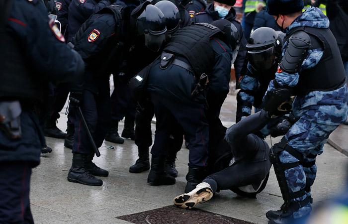 В РФ к уголовной ответственности привлекли 16 участников субботних акций