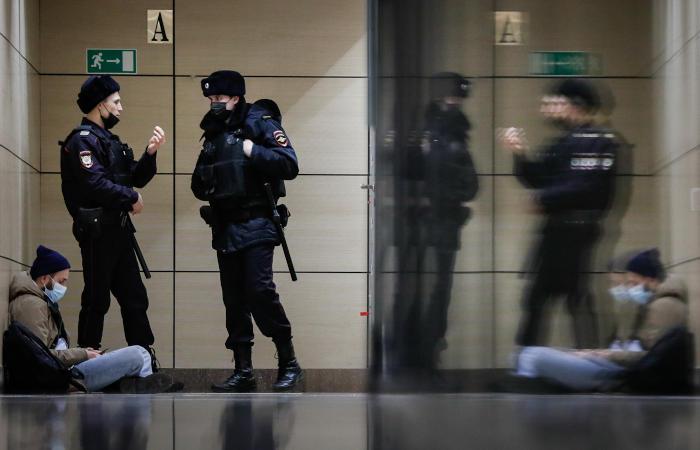 Полиция провела 15 обысков по делу о нарушении санитарных правил 23 января