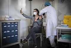 В столичном регионе Испании приостановили вакцинацию от COVID-19