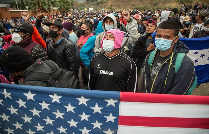 """Минюст США отменил """"нулевую терпимость"""" Трампа в отношении мигрантов"""