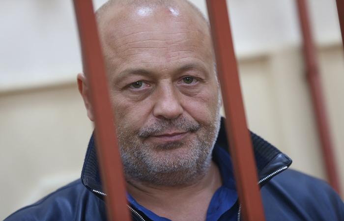 Суд Петербурга арестовал экс-сенатора Сабадаша за хищение 100 млн руб