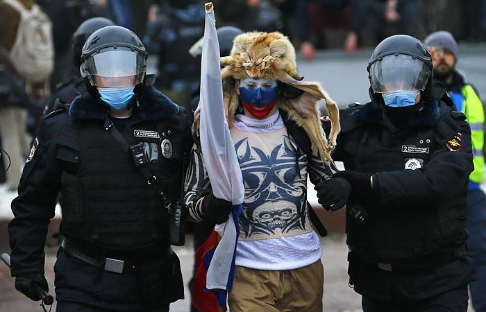 Кремль заявил о многочисленных нарушениях закона на акциях 23 января