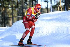 Большунов выиграл гонку на 15 км на этапе Кубка мира