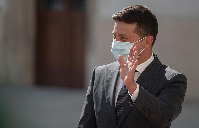 Зеленский пообещал бесплатную вакцинацию от COVID-19 на Украине