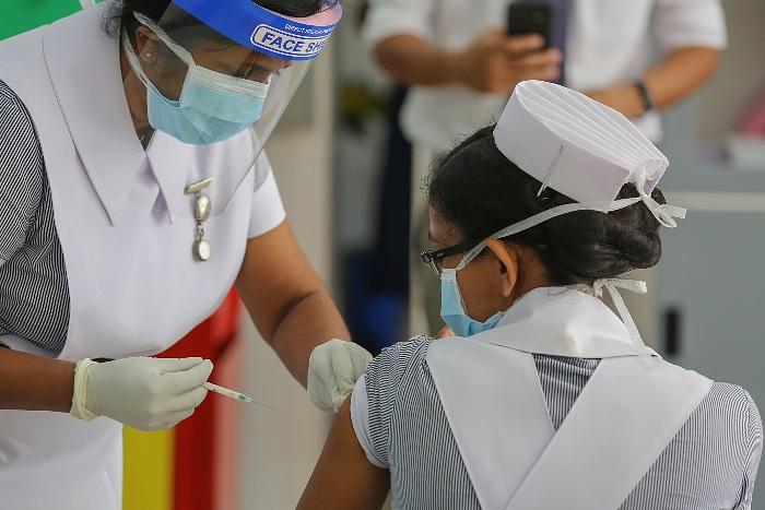ВОЗ призвала преуспевающие страны делиться вакциной с другими