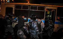 Акцию в Москве после суда над Навальным пресекли за полночь