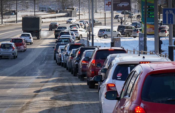 ННК поставит на Владивостокскую нефтебазу дополнительно 133 цистерны бензина