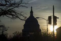 В Сенате США начались дебаты о конституционности импичмента Трампу