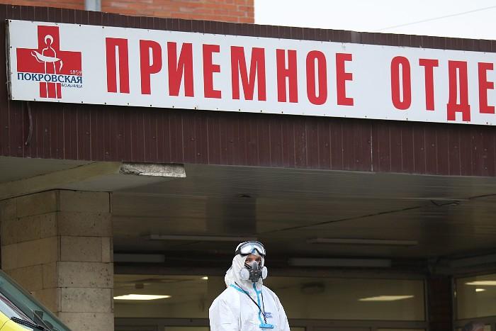 В России за сутки выявлено более 14 тыс. новых заболевших COVID-19