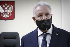 Хабаровский экс-губернатор Ишаев получил пять лет условно за растрату