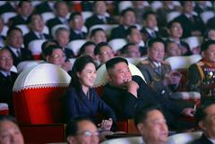 Супруга Ким Чен Ына впервые за год появилась на публике