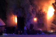 Жильцы сгоревшего в Кирове дома пытались потушить огонь без пожарных