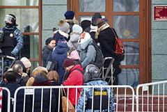 На суд по Навальному пришли дипломаты из 9 стран и представитель ЕС