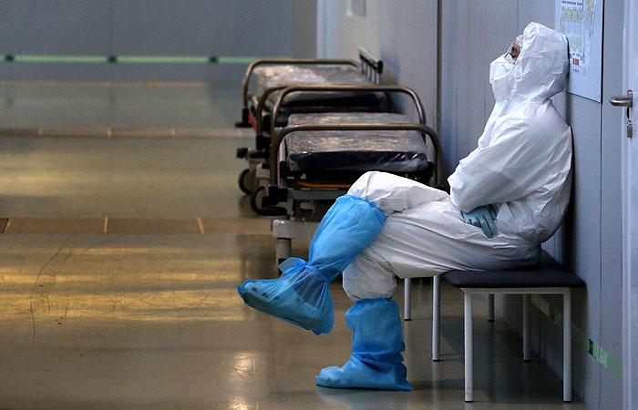 В России зарегистрировали еще 12 742 случая COVID-19
