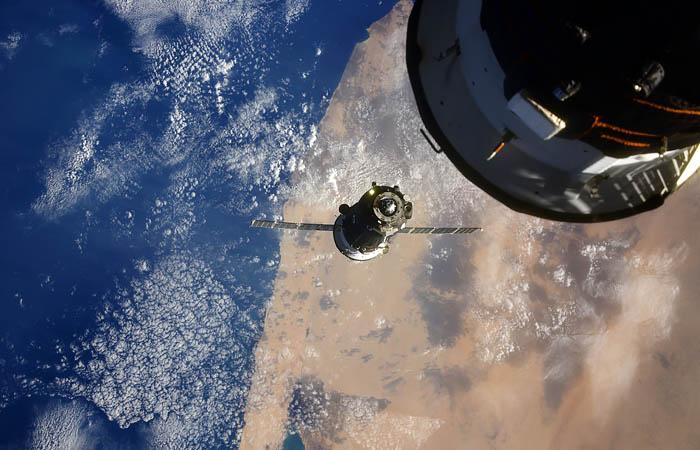 В корпусе МКС могут находиться сразу три трещины