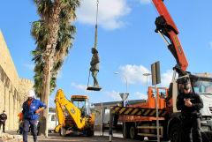 В Испании снесли последний памятник Франсиско Франко