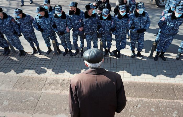 В Ереване на площади Свободы начался митинг оппозиции