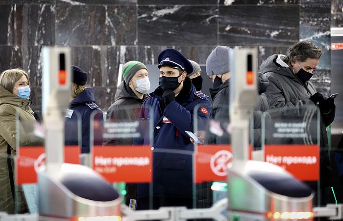 """В московском метро поставят камеры для распознания """"праздношатаний"""""""