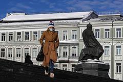 Собянин допустил скорую отмену части COVID-ограничений в Москве
