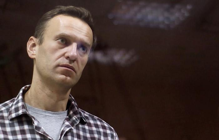 Навального вывезли из СИЗО