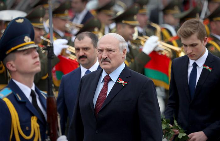 Лукашенко заверил, что не передаст своим сыновьям президентскую власть