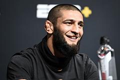 Боец UFC Чимаев передумал завершать карьеру после беседы с Кадыровым
