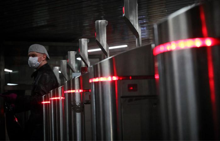 """Оплату проезда """"лицом"""" к концу года введут на всех станциях метро в Москве"""