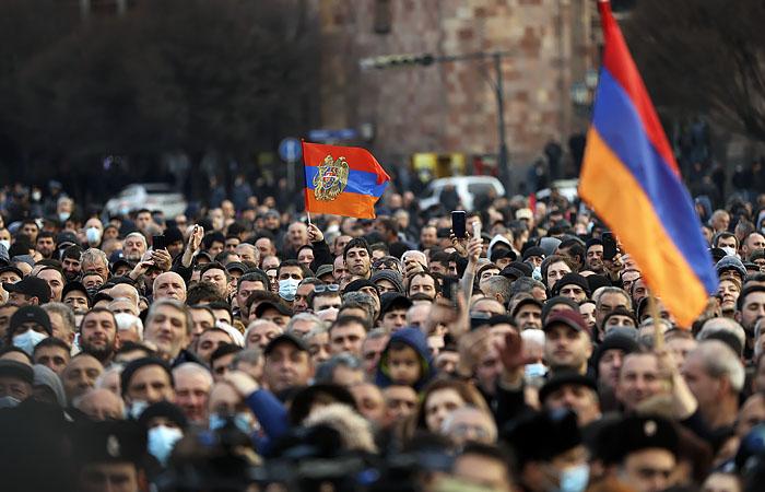 Армянские СМИ сообщили о готовящемся аресте начальника главного штаба
