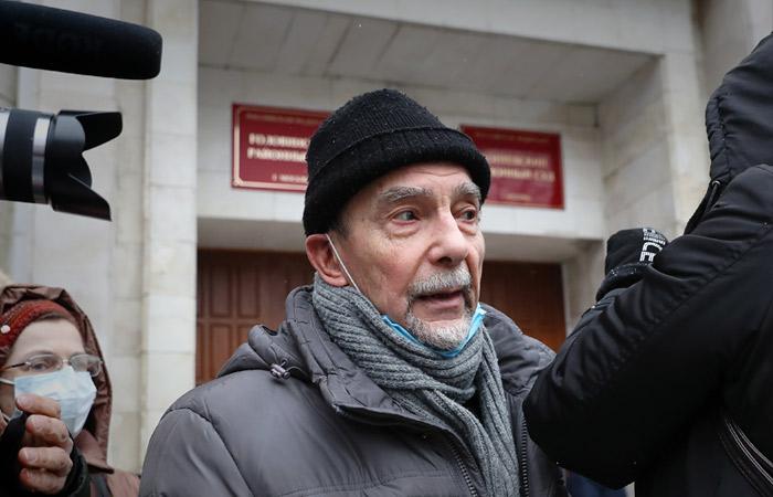 Лев Пономарев через суд потребовал отменить его статус иноагента