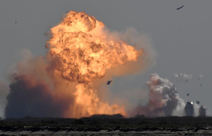 Прототип космического корабля Starship SpaceX взорвался после посадки