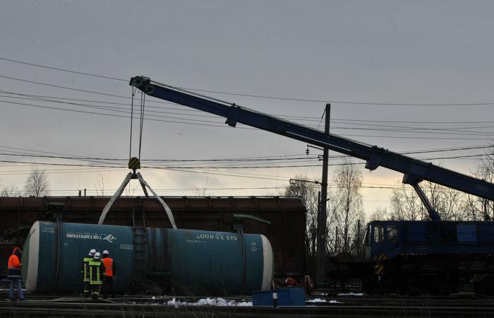 Уголовное дело возбуждено после схода цистерн в Хабаровском крае