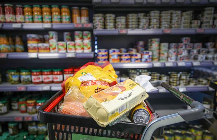 Власти РФ будут вести постоянный мониторинг цен на товары и услуги