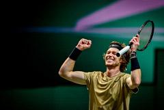 Теннисист Рублев продолжил серию побед в Дохе, не выходя на корт