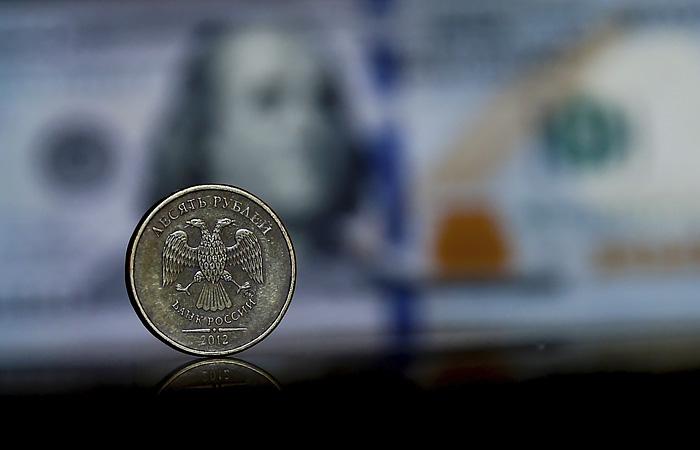 Володин заявил, что Россия сокращает зависимость от доллара
