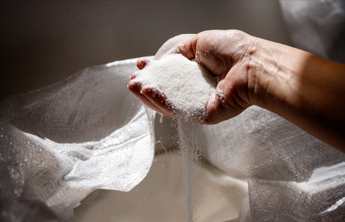 Цены на сахар и подсолнечное масло в РФ снова начали расти