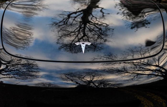 Конкуренты начали вытеснять Tesla с важнейших рынков