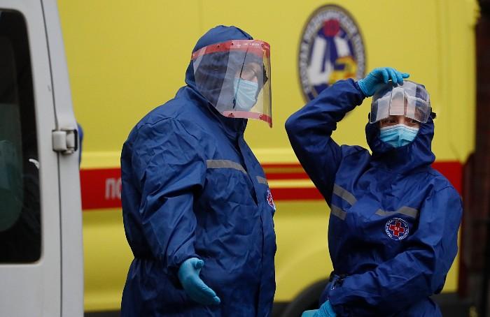 В России за сутки выявлено 9,9 тыс. случаев коронавируса