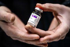 Страны ЕС приостанавливают использование вакцины AstraZeneca. Обобщение