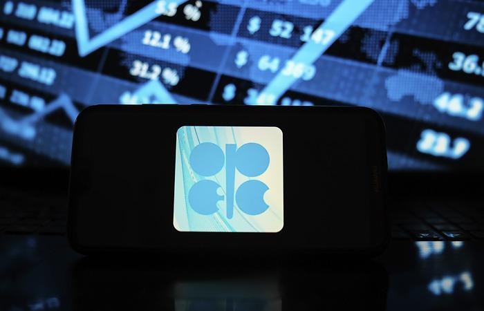 Россия в феврале исполнила сделку ОПЕК+ на 100,7%