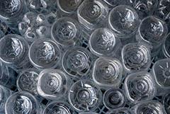 Переработчики пластмасс просят законодательных мер для замедления роста цен на сырье. Обзор