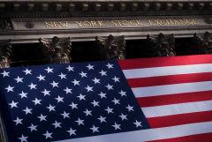 Индекс Dow Jones впервые завершил торги выше 33000 пунктов