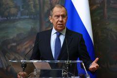 Лавров счел необходимым для России отходить от использования доллара